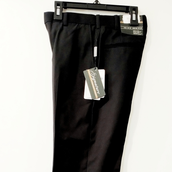 NWT Dress Pants by Signature Size 58 inseam 30